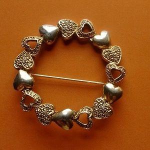Jewelry - PRETTY PIN, GOLDTONE
